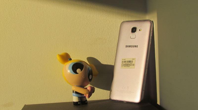 איך זה Samsung Galaxy J6? מכשיר שוק כניסה אמין, יציב, אבל גם מעט יקר מדי