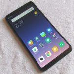 המרצת פתיחה: פתיחת קופסה של Mi Max 3, טלפון המסך הענק החדש של שאומי