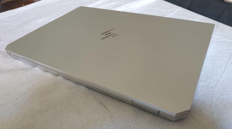 ניידות כללית בסקירה: EliteBook 1050 G1 – עסקי איכותי שמטשטש גבולות