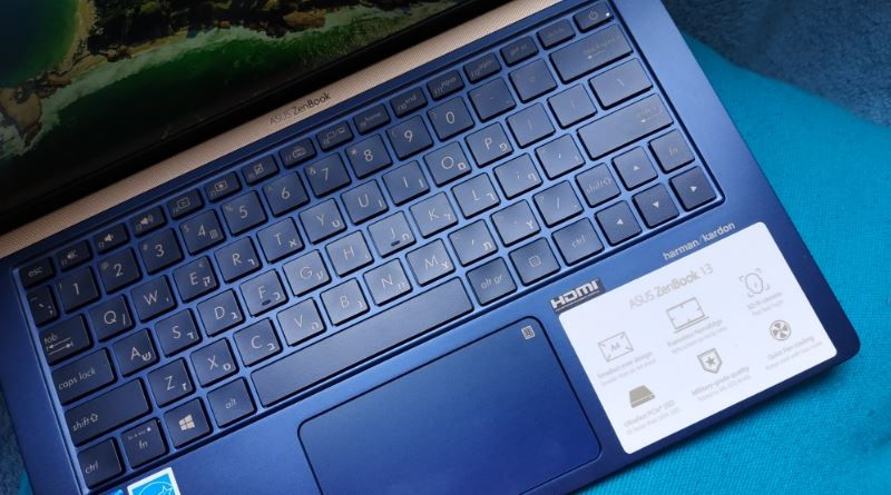המקלדת והמראה הכללי היפה של ה-ZenBook 13 החדש של אסוס