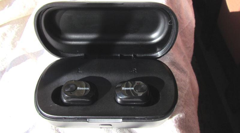 BaseusEncok  W01 TWS Earphones in charger box