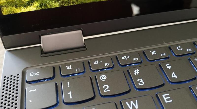 Lenovo YogaC640 Axis Left